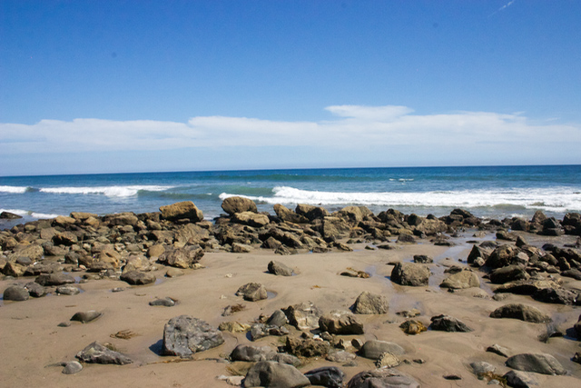 10 beautiful beaches hidden in california sand between for Pretty beaches in california