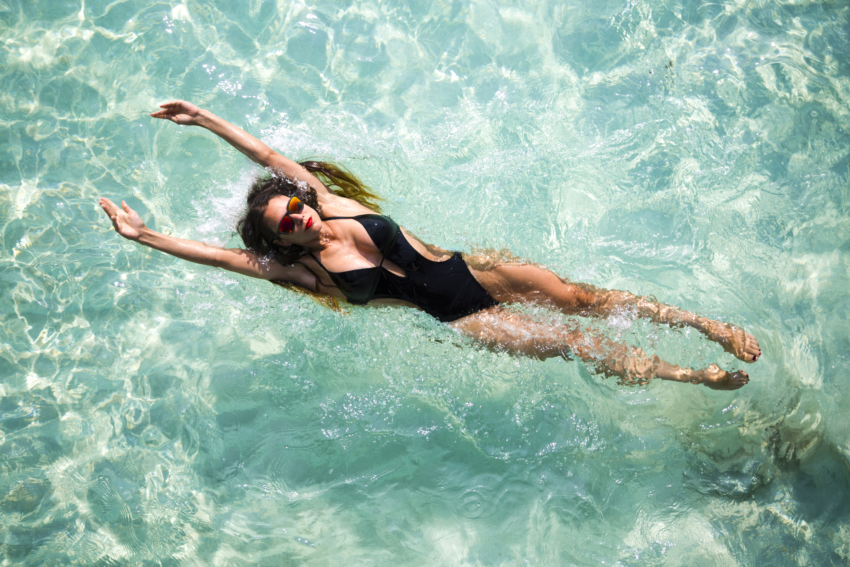 suit | swimsuit | swimsuit styles | monokini | monokini swimsuit | monokini suit | swimsuit fashion | pool day | beach day | vacation | travel