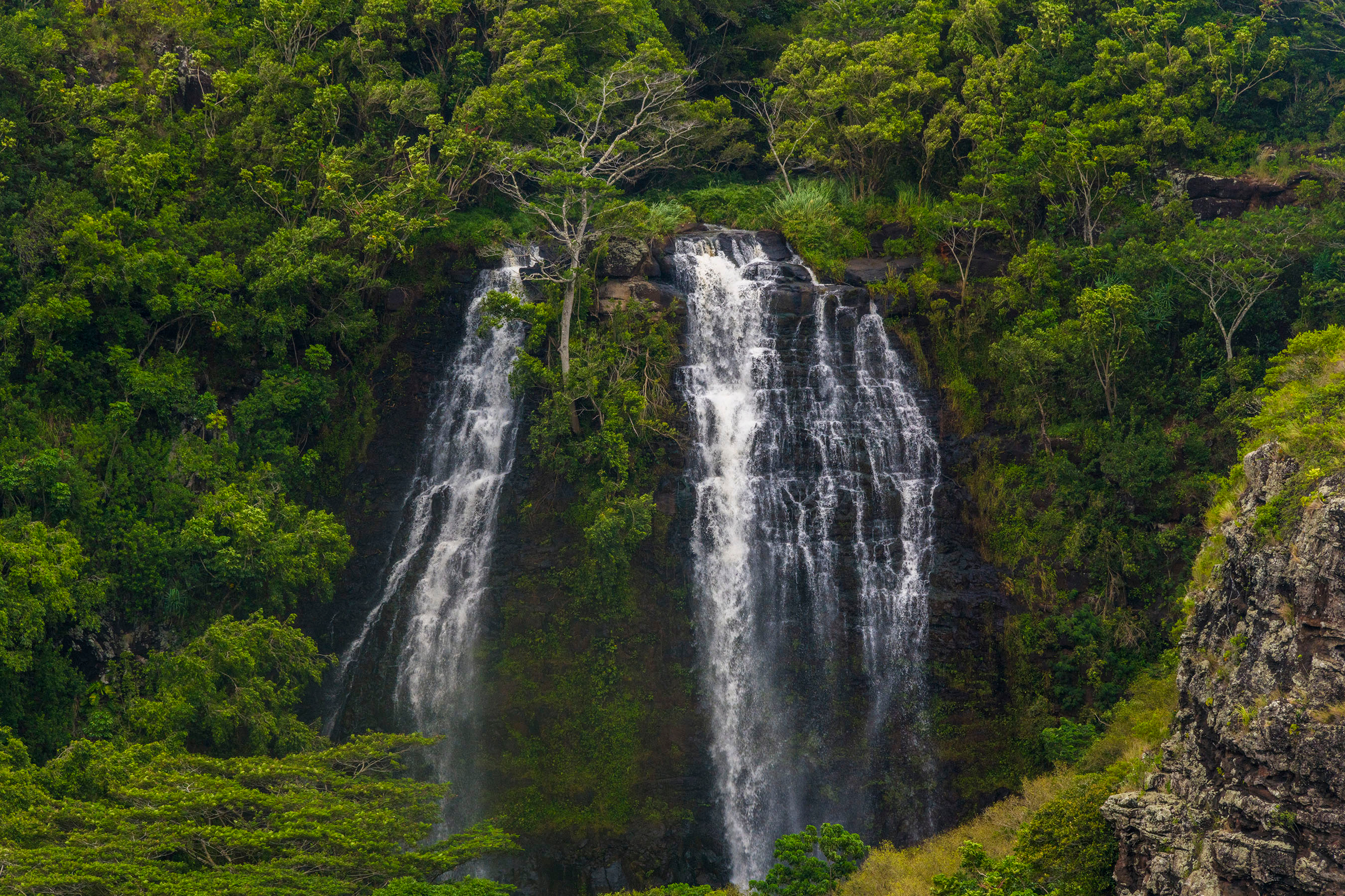 waterfalls | popular waterfalls | nature | outdoors | beautiful waterfalls | less traveled waterfalls | less traveled