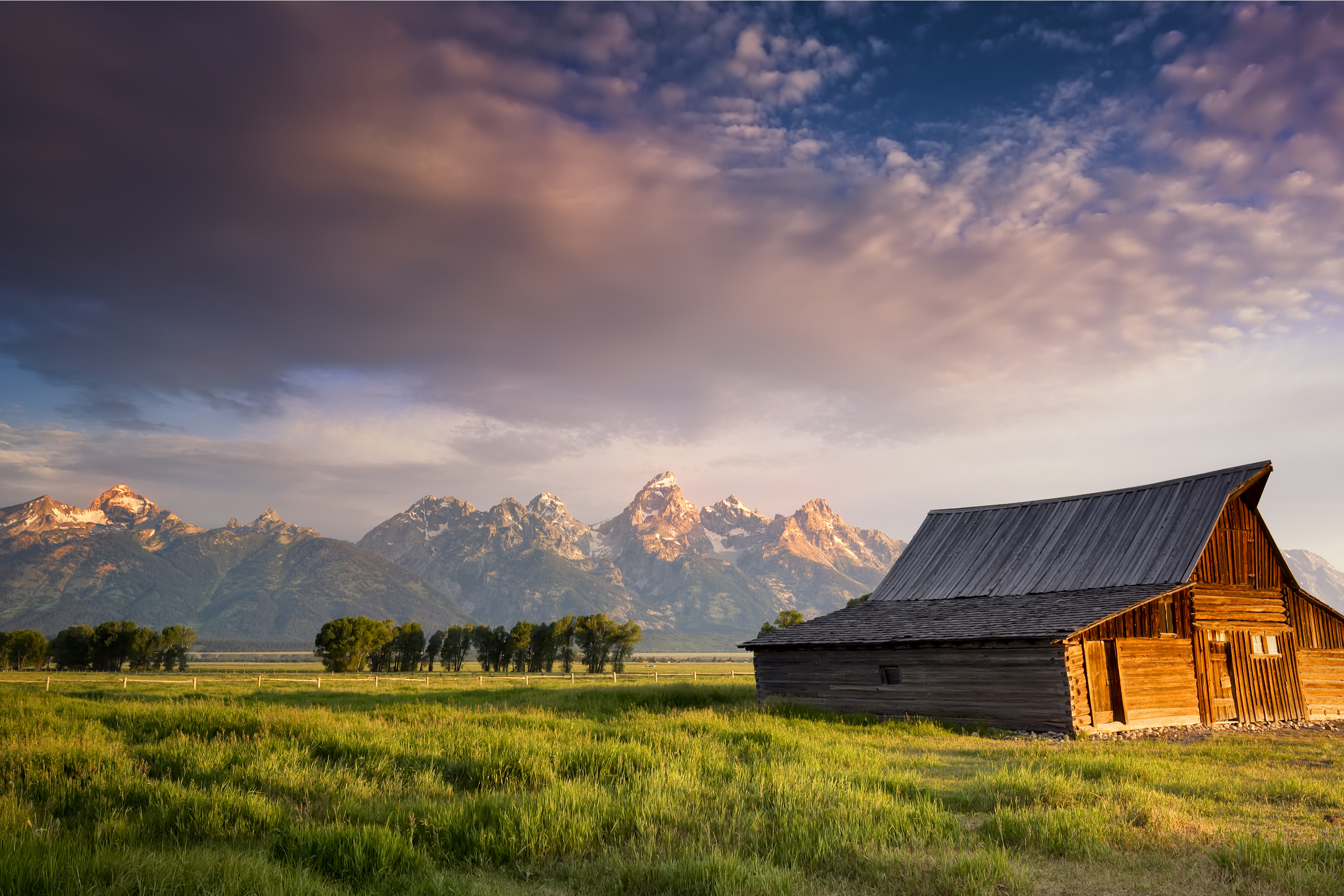 If you have never been to Jackson Hole, Wyoming, it should be at the top of your list! It is a hidden treasure of beauty. Take a look at all the things you can do there.